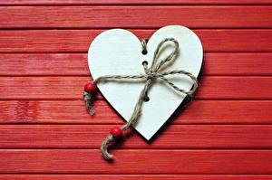 Фото День всех влюблённых Доски Красный фон Сердечко