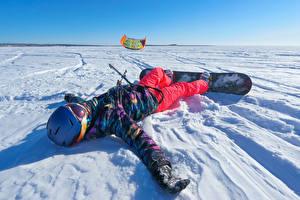 Фотография Зимние Сноуборд Снег Мальчики Шлем Ребёнок