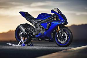 Картинка Yamaha Синяя 2018 YZF-R1 Мотоциклы
