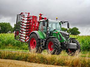 Картинки Сельскохозяйственная техника Трактор 2011-18 Fendt 724 Vario Worldwide