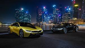 Обои для рабочего стола BMW Два В ночи Золотая i8 Frozen Yellow Edition авто
