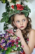 Фотография Букеты Девочки Модель Ребёнок