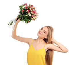 Обои Букеты Розы Белый фон Блондинка Руки