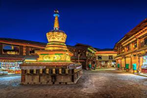 Картинки Китай Здания Ночные Shangri La Города