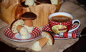 Фотографии Кофе Выпечка Грибы Шоколад Чашка Продукты питания