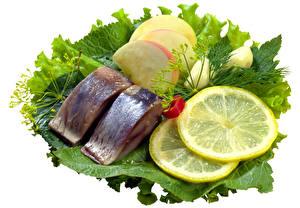 Фотографии Рыба Лимоны Овощи Белый фон Еда