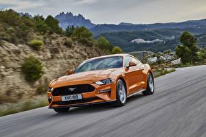 Фото Форд Едущий Оранжевый Mustang GT Авто
