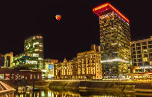 Картинка Германия Здания Причалы Ночь Водный канал Duesseldorf город