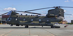 Фотографии Вертолеты Сбоку Boeing-Vertol CH-47 HC.4 Chinook ZA680-2 Авиация
