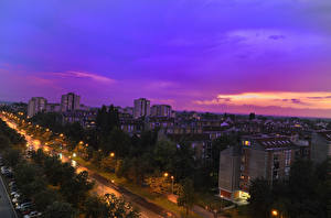 Картинки Здания Дороги Вечер Сербия Уличные фонари Novi Sad Juzhna Bachka Города