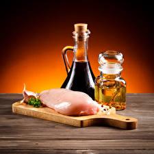 Обои Мясные продукты Чеснок Разделочная доска Бутылка Банка Пища