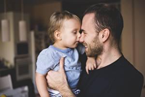 Фотография Мужчины Борода Мальчики Улыбка Ребёнок