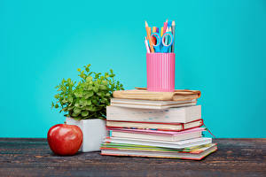Обои Школа Яблоки Доски Цветной фон Книга Карандаши