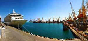 Обои Украина Одесса Пирсы Корабли Круизный лайнер Залив