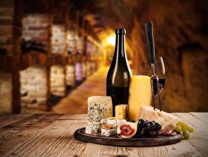 Картинка Вино Сыры Виноград Инжир Бутылка Стол Продукты питания