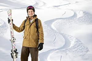 Фотография Зимние Лыжный спорт Мужчины Снеге Улыбается спортивный
