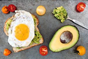 Картинка Хлеб Авокадо Томаты Яичница Еда