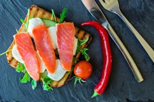 Фотографии Хлеб Рыба Томаты Бутерброды Острый перец чили