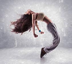 Фотография Шатенка Танцы Руки Девушки