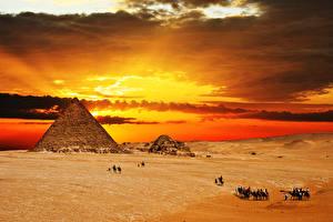 Фото Пустыни Рассветы и закаты Небо Пирамида