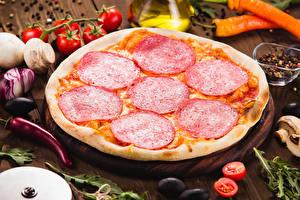 Картинки Быстрое питание Пицца Колбаса Еда