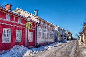 Фото Финляндия Дома Зима Улица Снеге Уличные фонари Naantali город