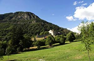 Картинка Франция Горы Крепость Луга Альпы Деревья Fort de Savoie