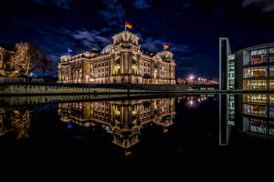 Обои Германия Берлин Здания Водный канал Ночью Города