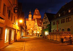 Картинки Германия Здания Улица Ночь Уличные фонари Rothenburg
