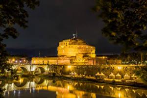 Картинки Италия Рим Замок Реки Мосты Ночью Castel Sant'Angelo Города