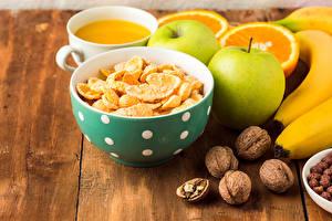 Обои Мюсли Орехи Яблоки Сок Фрукты Доски Завтрак Продукты питания Еда