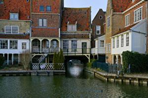 Картинки Нидерланды Здания Водный канал Ограда Enkhuizen