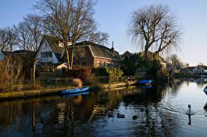 Фотографии Нидерланды Здания Речка Пирсы Лодки Abcoude Города