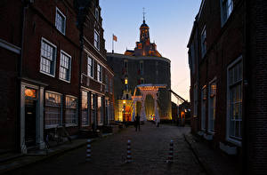Фотография Нидерланды Здания Храмы Церковь Вечер Улица Enkhuizen