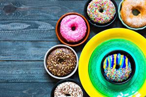 Картинка Выпечка Пончики Доски Дизайн Тарелка Пища