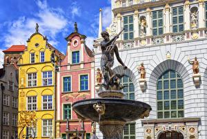 Обои Польша Гданьск Здания Фонтаны Скульптура Neptune Fountain город