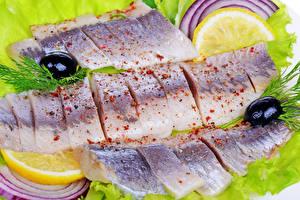 Фото Морепродукты Рыба Оливки Лимоны Укроп Еда