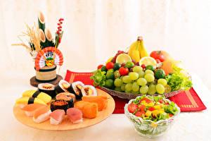 Картинка Морепродукты Суши Фрукты Салаты Овощи Виноград Продукты питания