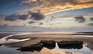 Фотография Великобритания Побережье Небо Камни Облака Dunraven Bay Wales Природа