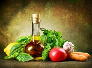 Фотография Овощи Томаты Чеснок Морковь Бутылки Масло Продукты питания