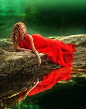Фотографии Вода Рыжая Платье Красный