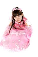 Фотографии Белый фон Девочка Модель Платье Смотрит ребёнок