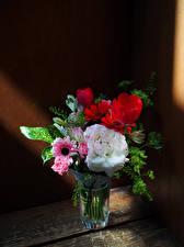 Фото Букет Розы Герберы Тюльпан Ваза цветок