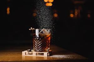 Картинка Напитки Алкогольные напитки Стакан Еда