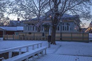 Фото Финляндия Здания Зимние Особняк Дизайн Снег Ограда Naantali Города