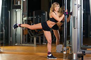 Фото Фитнес Физические упражнения Ноги Девушки Спорт