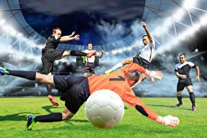 Обои Футбол Мужчины Вратарь в футболе Мяч Газон Прыжок