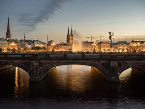 Картинки Германия Гамбург Дома Речка Мост Вечер город