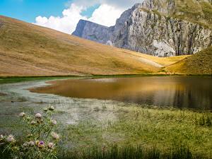 Фото Греция Озеро Утес Трава Dragon lake Природа