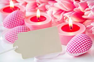 Фотографии Праздники Пасха Свечи Яйца Шаблон поздравительной открытки